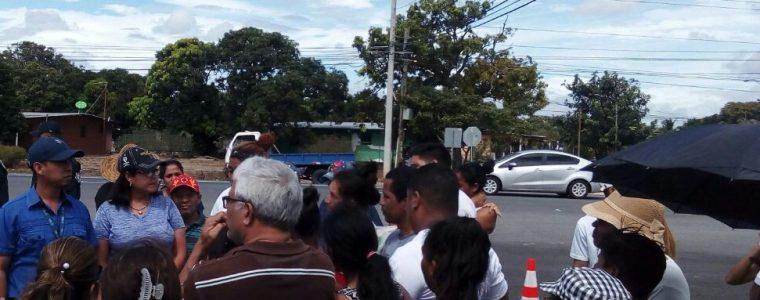 REGIONAL DEL IDAAN EN COCLÉ SE REUNE CON MORADORES DE EL CAÑO EN NATÁ