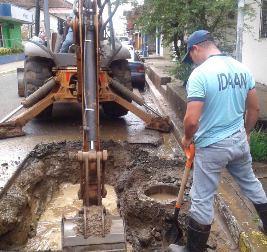 """El IDAAN realizará trabajos de reparación en la línea de 6"""" en Las Tablas"""