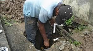 Personal técnico del IDAAN atenderá incidencia en línea de distribución en Calle 9 de Santiago.