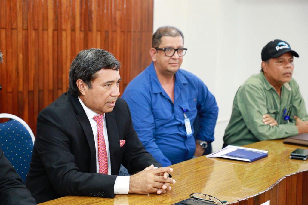 Director del IDAAN se reúne con moradores de la 9 de enero