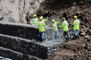 Avanzan los trabajos de rehabilitación del sistema de agua potable de Chorro Blanco